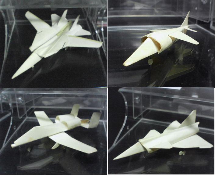 今までに作った紙飛行機の一部。全部で200種類以上。形の精密さを最優先にしていますが、本当によく飛ぶ奴も20機ほどあります。 :: 123_1.jpg  : 62 KB